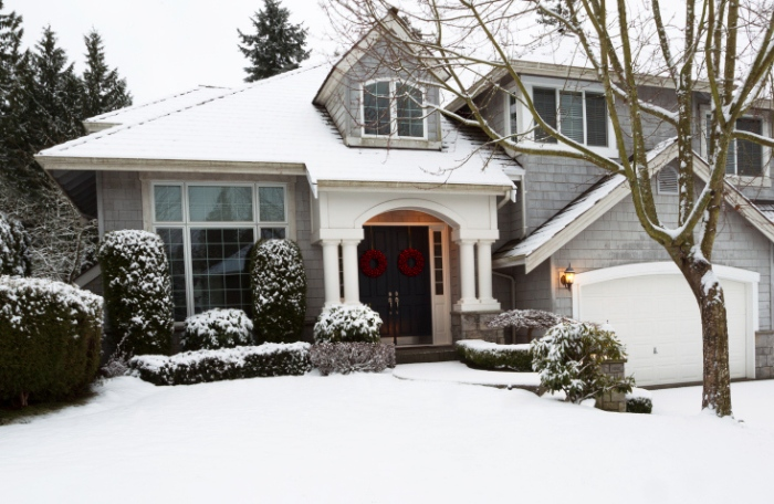 Winter_Staging_How_to_Make_Your_Home_Look_Beautiful_when_Its_Miserable_Outside