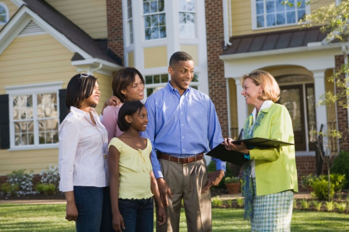 Mind_Your_Manners_Four_Etiquette_Tips_That_Will_Help_Make_the_Home_Buying_Process_Go_Smoothly
