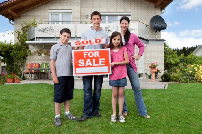 Buying_and_Selling_a_Home_at_the_Same_Time_How_to_Juggle_These_Two_Transactions