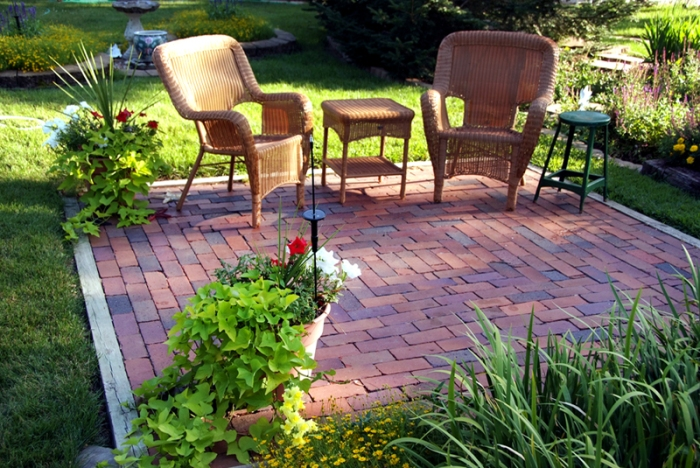Staging Your Yard