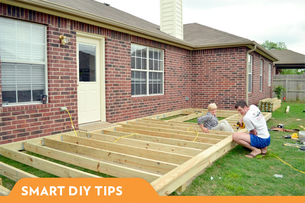 BUILD YOUR OWN DECK CHOOSING THE RIGHT MATERIALS