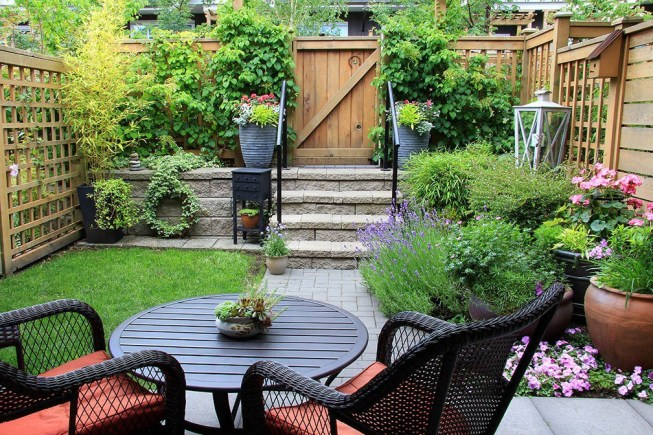 Living_With_a_Small_Green_Space_How_to_Make_the_Most_of_a_Smaller_Intimate_Yard